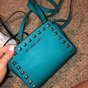 brand new mk crossbody-no tags